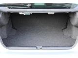 分割可倒式リヤシートですので、長さのある荷物も安心して積み込むことが出来ます。
