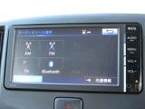 ナビゲーションはトヨタ純正メモリーナビ NSCP-W64 が装着されております。AM、FM、CD、ワンセグTVがご使用いただけます。土地勘の無い所でも道に迷わず安心ですね!