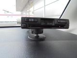 ドライバーズシート前方のダッシュボード上に、オンダッシュタイプのETCが装着されております!!