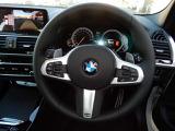 ドライバーが任意で設定した速度をベースに、先行車との車間距離を維持しながら自動で加減速を行い高速走行をサポート。車両停止や再加速も自動で行う♪
