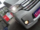 ナイトドライブを、明るく安全に照らしてくれる、キセノンヘッドランプ&フォグランプ!!