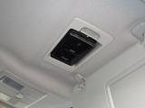 ETC車載機は専用ボックスにてバイザー裏に隠れて装着されております。