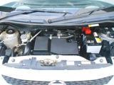 エンジンルームも、プロのスタッフがキレイにします。☆もちろん自社工場でしっかり整備し、ワイパーゴム、エンジンオイルは新品にお取替えします!車両状態、お支払い方法等、何でもお気軽にご相談下さい♪