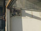荷台、箱内部左側には照明が装備されています。