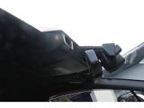 アイサイトはルーフ中央部ルームミラーの両脇辺りから2つのカメラ(ステレオカメラ)で前方を見ています!「車」「二輪車」「人」「車線」などとの距離を把握する事で、運転を支援する機能です!