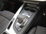 """Audi自動車保険プレミアム"" 充実した自動車保険とさまざまの特約やサービス内容でAudiオーナーにふさわしいサポートをご用意。アウディだけのプレミアムサービス「Audiプレミアムケア」を無償で付帯"