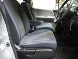 ゆったり大きくサポートも深いフロントシートです 室内はクリーニング済みです