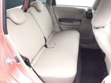 丁寧に室内をクリーニング。除菌処理も施して、安心してお乗りいただけるお車を提供いたしております。