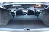 意外と広いね・・・と評判のトランクです。トランクスルーを使えばスキーの板など長い物も車内に入ります☆