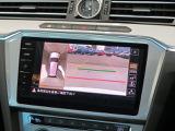 リヤビューカメラ:車両後方の映像を映し出します。画面にはガイドラインが表示され、車庫入れや縦列駐車を容易にします♪