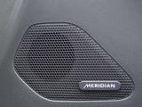ドライブにお好みの音楽をMERIDIANサウンドシステムシステムで快適なドライブを体感ください。