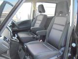 優しく包み込まれるような安心感で、」ドライブをお楽しみ頂けるフロントシート!ロングドライブ時も、疲れにくいんです!!