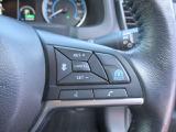 """プロパイロット:""""渋滞走行""""と""""巡航走行""""のシーンで、ドライバーに代わってアクセル、ブレーキ、ステアリングを自動で制御。"""
