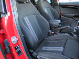 ・コンディションの良いドライバーズシート  ・擦れや汚れもございません