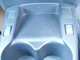 真冬でもすぐに温まり快適なシートヒーターを全席に装備(後席は座面のみ装備)。