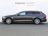「VOLVO SELEKT CAR]は車歴や走行距離、さらに内外装・機関において、厳格な基準をクリアしたボルボ認定中古車です。