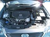 【エンジンルーム】車を走らせるために大事なエンジンルームも、整備点検をしっかり行い、キレイに清掃してお渡しいたします。