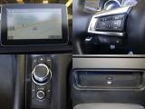 ナビ・TV・CD・DVDプレーヤー付き。コマンダーコントロールでも、ハンドルのスイッチどちらでも、オーディオ操作が可能です。
