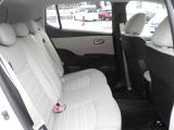 厚みある後席シート、乗り心地も快適です。