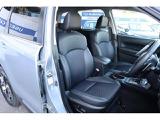 シートは内部構造や厚みを徹底的に見直し、快適な座り心地を実現。是非座ってお確かめください
