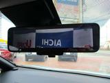 インテリジェントルームミラー・カメラ映像ガミラーに映ります。