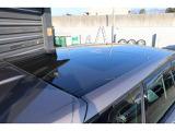 パノラマルーフは天井ガラス1枚張りの豪華なオプションです。