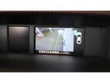 ★アドバンスドセーフティパッケージのサイドビューモニターです。★助手席側ドアミラーに装着されたカメラ映像をマルチファンクションディスプレイに表示します。死角となる自車の左前方を確認できます。★