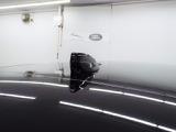 ランドローバー初の「クリアサイトインテリアクリアビューミラー」は車体後方に装備したカメラによって、後方の映像がミラーに映し出されます!