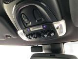 SOSコール装備!ルームランプスイッチもMINIならではのトグルスイッチです。