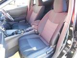 厚みがあって、座り心地のいいソファーのようなシート。運転席も助手席もリラックスしてゆったり座れます。