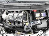 エンジンルームも徹底洗浄!もちろん、しっかりと整備してからご納車いたします。