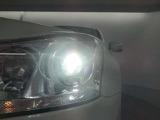 HIDヘッドランプは非常に明るく夜間の視認性が高い装備です!
