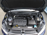 2.0L TDIエンジンは、低回転域で最大トルクを発生し、軽くアクセルペダルを踏み込むだけで気持ちよく加速します。