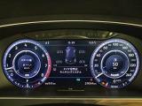 速度計とタコメーターに加え、ナビゲーションモードでは、マップを表示することもできます!