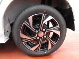 【車両状態をチェックとは】第三者機関の中古車鑑定士に依頼し、内装・外装・機関・修復歴のそれぞれの項目を細部まで確認します。これらのチェックを実施した車両になります。