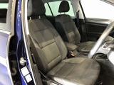 体をしっかり支える硬めのシートは、長距離運転時n疲労軽減にもつながります。