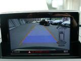 リアビューカメラと前後バンパー部の障害物センサーにより車庫入れも快適です。
