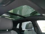 開放感のあるガラスサンルーフ。採光や換気にもとても効果的です。