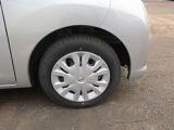 日産純正ホイールカバー付きです。タイヤの状態等はお問い合わせ下さい。
