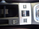 アイサイト(Ver.3)、ASPの先進安全装備搭載!SDナビ、バックカメラ、ETC、本革シート、シートヒター装備!