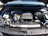 直噴ターボのTSIエンジンは低速トルクが太く、スムーズな加速が魅力です。
