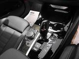 ワイヤレス充電/MTモード付8速スポーツAT/ヒルディセントコントロール(ドライバーがブレーキを操作しなくても5~10km/hで自動制御)