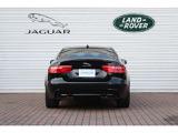 シンプルなデザイン。テールランプにはジャガーシリーズ共通のシケインラインLEDランプを採用リヤからもジャガーをアピールします