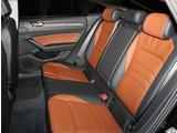 フロントシート【人間工学設計と、低反発スポンジの様なシート素材を採用。長時間運転でも疲れにくいです】