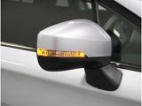 《ターンレンズ付ドアミラー》デザイン性も良く、ドライバーの巻き込み事故もサポートしてくれます。歩行者なども認識してもらいやすいので安心です。