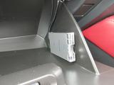 ETC車載機はグローブボックスに装備されています☆