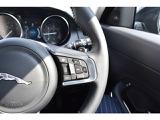 アダプティブクルーズコントロール、ブラインドスポットアシストも装備。車線変更時に死角にいる車を検知すると、ステアリングトルクを調整して衝突を回避するようにアシストしてくれます。