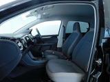 アップならではのシートデザインを採用。愛ポイントも高く狭い道の運転も楽々!