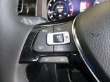 ステアリングスイッチ装備!一定速度を保ったドライブをする時に便利で役に立つクルーズコントロール機能の設定や、オーディオ操作が可能です!