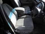 パワーシートでお好みのシートポジションに微調整可能。